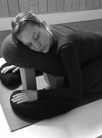 saimithra-yoga-roos-vonk